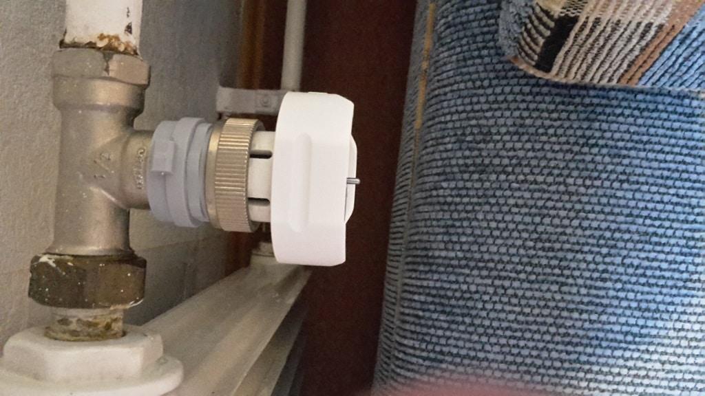 Montage des Unterteils vom Honeywell HR 20 Rondostat