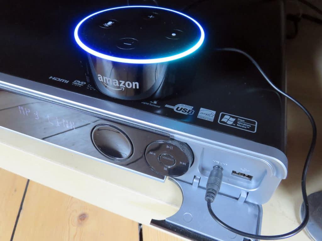 Echo Dot an Musikanlage