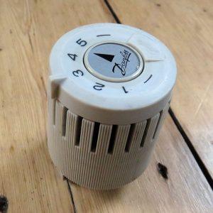 Danfoss-RAV-Thermostat-01