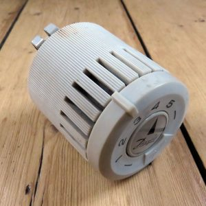 Danfoss-RAV-Thermostat-02